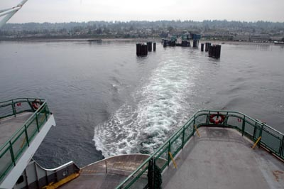 Washington state ferry leaving Edmonds terminal